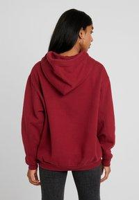 Levi's® - UNBASIC HOODIE - Hoodie - warm cabernet - 2