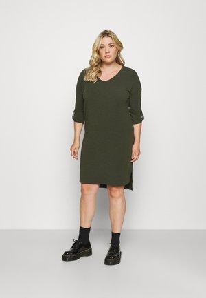 CARLAMOUR V NECK KNEE DRESS - Pletené šaty - kalamata