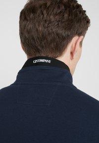 C.P. Company - FUNNEL OPEN DIAGONAL RAISED  - Zip-up hoodie - navy - 6