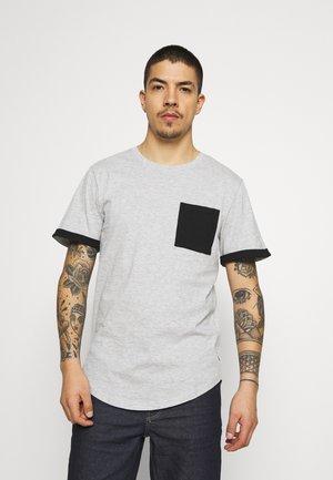 ONSMATT LIFE LONGY CONTRAST TEE - T-shirt med print - light grey melange