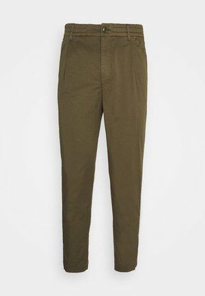 CHASY - Chino kalhoty - khaki