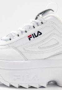 Fila - DISRUPTOR - Baskets basses - white - 2