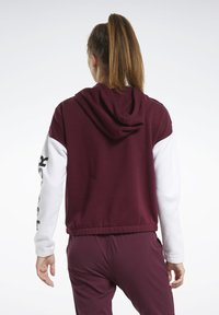 Reebok - TRAINING ESSENTIALS LOGO HOODIE - Hettejakke - burgundy - 2