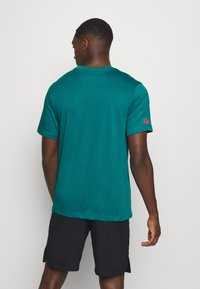Nike Performance - TEE PROJECT  - T-Shirt print - bright spruce - 2