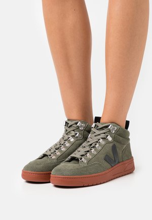 RORAIMA - High-top trainers - olive/black
