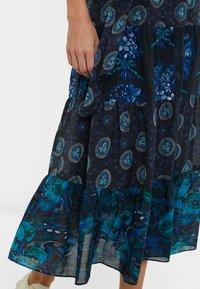 Desigual - DESIGNED BY M. CHRISTIAN LACROIX: - Sukienka letnia - black - 4