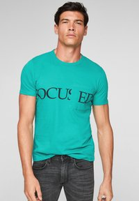 QS by s.Oliver - DETAIL - Print T-shirt - turquoise - 0