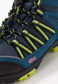 TrollKids - KIDS LOFOTEN MID - Hiking shoes - blue/lime - 2