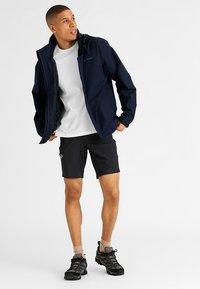 Vaude - MENS ESCAPE LIGHT JACKET - Waterproof jacket - eclipse - 1