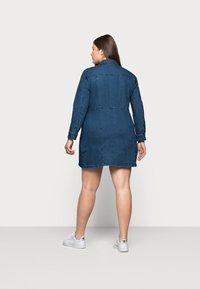 Noisy May Curve - NMLISA ZIP DRESS - Denim dress - medium blue denim - 2