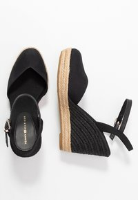 Tommy Hilfiger - BASIC CLOSED TOE HIGH WEDGE - High heeled sandals - black - 3