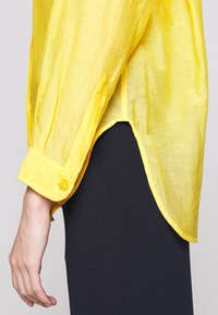 Vanessa Bruno - LIDIANE - Button-down blouse - citrus - 8