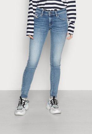 SLANDY LOW - Jeans Skinny Fit - medium blue