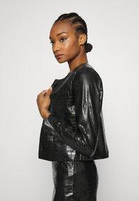 Who What Wear - VEGAN CROC COLLARLESS JACKET - Faux leather jacket - black - 3