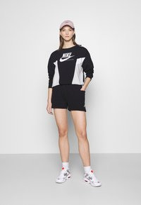 Nike Sportswear - AIR - Shorts - black - 1