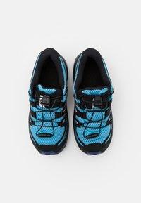 Salomon - XA PRO 3D UNISEX - Zapatillas de senderismo - ethereal blue/surf web/white - 3