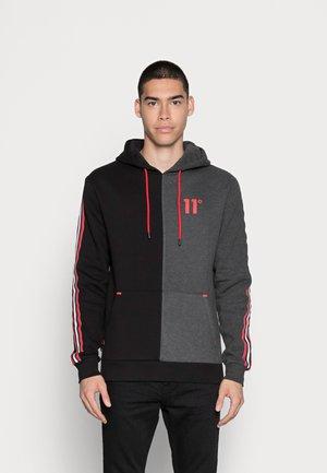 COLOUR BLOCK FLEECE HOODIE - Sweatshirt - black/charcoal/marl red