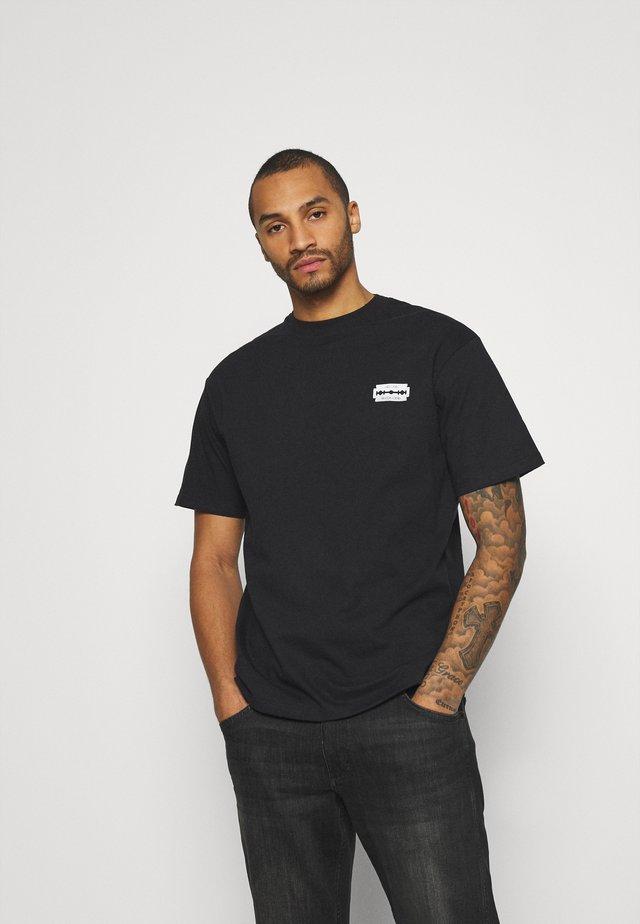 UNISEX SWEET LOOSE TEE - T-shirt print - bitter/black