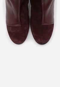 lilimill - Kotníková obuv na vysokém podpatku - prince twister magenta - 5