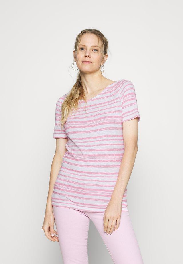 SHORT-SLEEVE BOAT-NECK STRIPED - Camiseta estampada - multi/sunlit coral