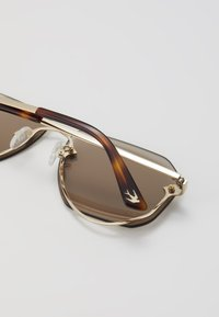 McQ Alexander McQueen - Zonnebril - gold-coloured - 2
