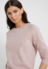 pure cashmere - CLASSIC CREW NECK  - Trui - dust pink - 4