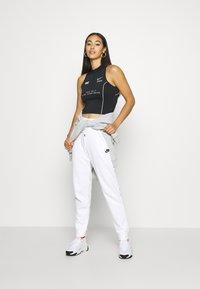 Nike Sportswear - Joggebukse - white - 1
