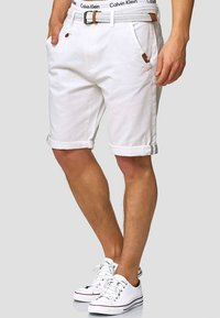 INDICODE JEANS - CASUAL FIT - Shorts - off white - 0