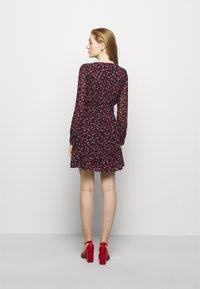 MICHAEL Michael Kors - FLORAL PRINTED MINI DRESS  - Day dress - berry - 2