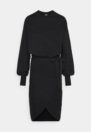 CHUNKY TIE DRESS - Denní šaty - black
