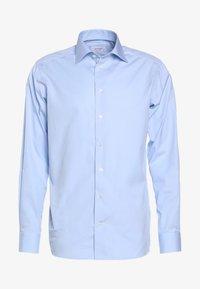 CONTEMPORARY FIT - Formal shirt - light blue