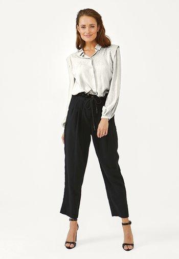 CADENCE - Button-down blouse - les blancs