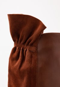 mint&berry - Over-the-knee boots - cognac - 2