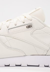 Reebok Classic - CL LTHR X FACE - Sneakers laag - classic white/white/black - 6