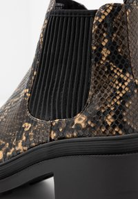 Topshop - BRIXTON CHELSEA - Ankle boots - natural - 2