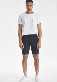 Casual Friday - SLIM FIT - Shorts - navy - 1