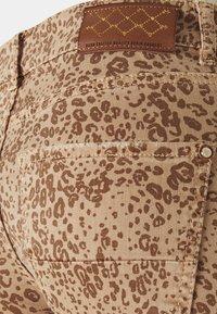 Mos Mosh - SUMNER LEO PANT - Jeans Skinny Fit - cuban sand - 5