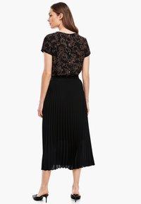 s.Oliver BLACK LABEL - CRÊPE - A-line skirt - true black - 2