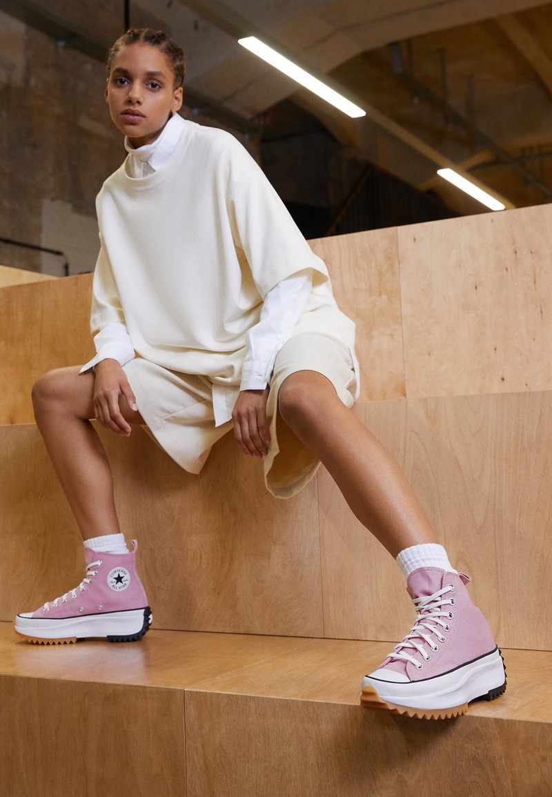 Converse - RUN STAR HIKE - High-top trainers - lotus pink/white/black