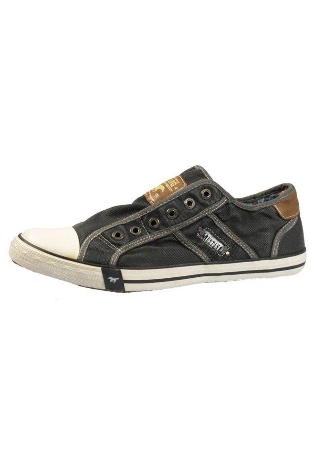 Nazouvací boty - grau/weiß