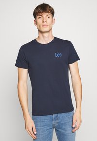 Lee - TWIN 2 PACK - T-shirt basic - navy/sunshine - 3