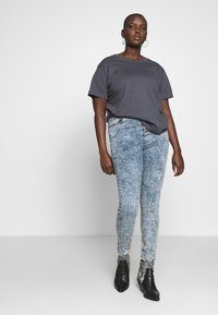 Simply Be - HIGH WAIST BUTTON FLY - Jeans Skinny Fit - blue acid - 1