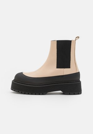 KILAS - Platform ankle boots - wood