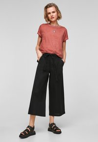 QS by s.Oliver - Basic T-shirt - rust - 1