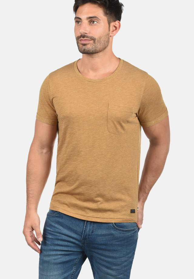 TOMÁS - T-shirts basic - gold