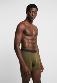 Björn Borg - SAMMY COFFEE SOLID 2 PACK - Panty - olive / night - 1