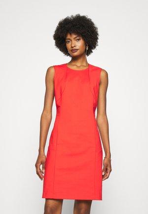 DRESS - Robe fourreau - scala red