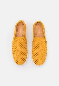 RIVIERAS - UNISEX - Nazouvací boty - punch yellow - 3