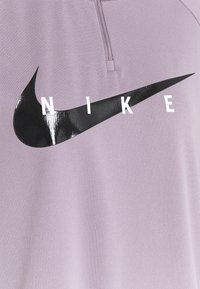 Nike Performance - RUN MIDLAYER - Tekninen urheilupaita - purple smoke/black - 5