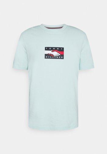 ONE PLANET TEE UNISEX - Print T-shirt - oxygen